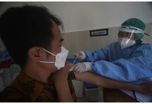 印尼单日新增新冠确诊病例12624例
