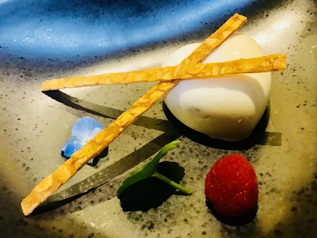 【南山韬客食尚札记】让味道随时尚飞舞起来的上海滩概念餐厅